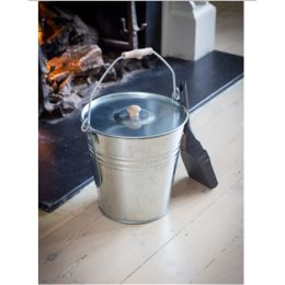 Ash Bucket with Lid | Garden Trading Company