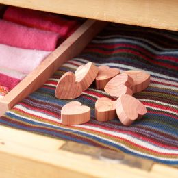 Small Cedar Wood Hearts - Set of 10 | Toscanini