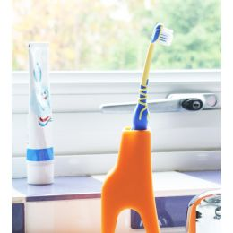 Grace the Giraffe Toothbrush Holder | J-Me