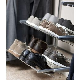 Gliding shoe shelf | Elfa